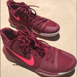 Kyrie 3 'Hot Punch'